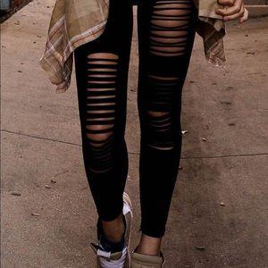 🆕 Gently loved slashed style EXPRESS legging